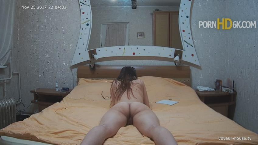 Voyeur-House Nina Resting Naked Girl in Bedroom