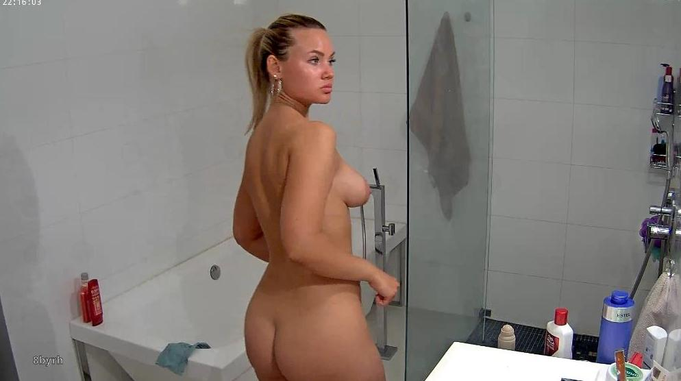 RealLifeCam Angie Sexy Naked Teen Shower in Bathroom