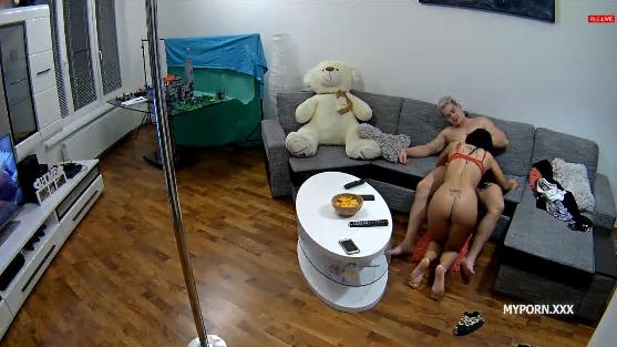 Reallifecam Linda and Tibor Sex in livingroom