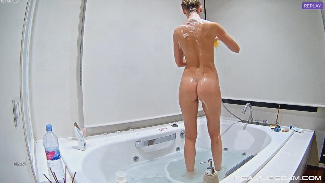 RealLifeCam Tiana Tall Sexy Nude TEEN Hot Shower