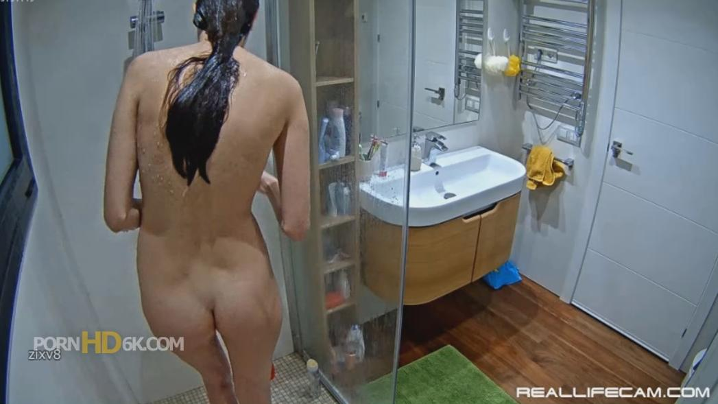 RealLifeCam Leia Sexy Nude TEEN Shower