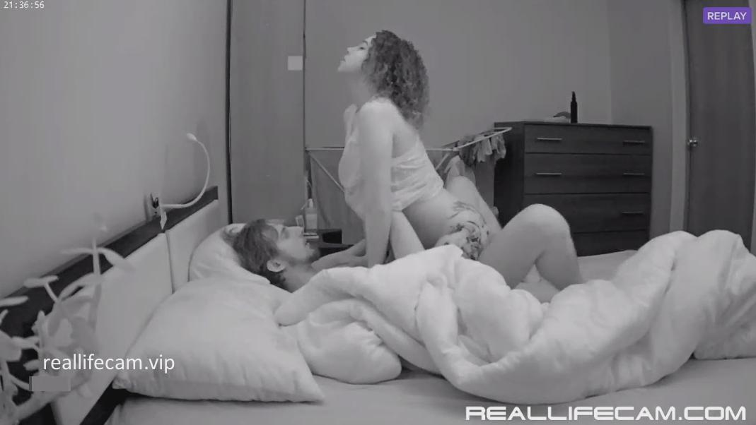 2018 HD RealLifeCam Maya and Boyfriend Great Sex in Bedroom