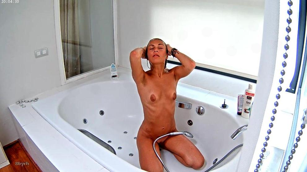 RealLifeCam Mary Sexy Naked TEEN Shower in Jacuzzi