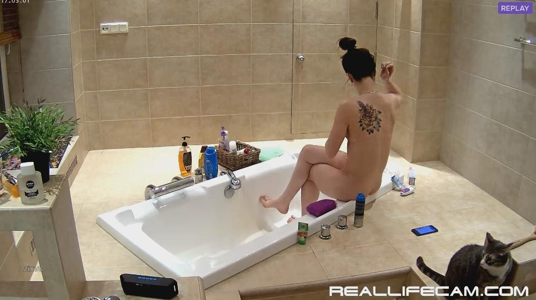 RealLifeCam Stesha Sexy Nude Babes Shower in Bath