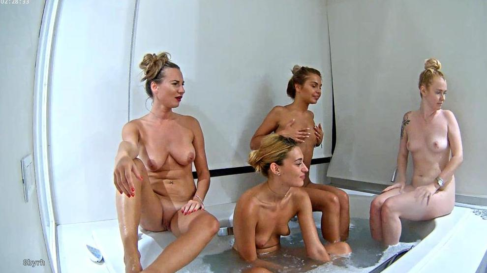 Reallifecam Girls On Vacation Shower Have Fun in Jacuzzi