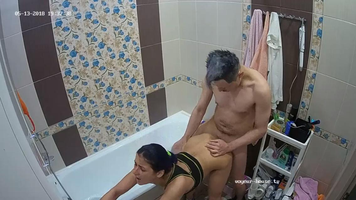 Pussy eating & fucking during hair dying with Mary & Tony in Bathroom