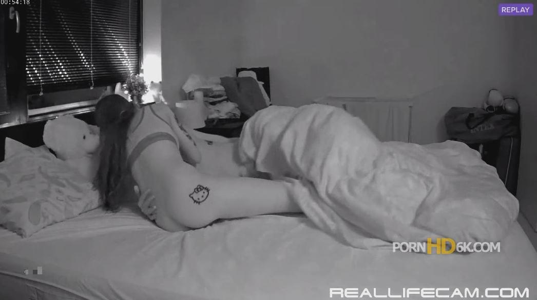 RealLifeCam Kitty and Smith Suck & Fuck in Bedroom