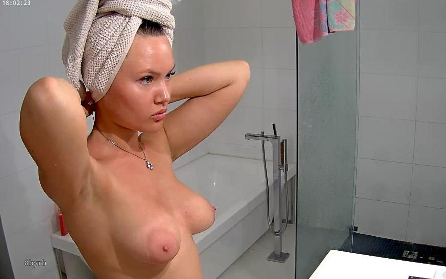 Reallifecam Angie Hot Natural Tits Teen Shower