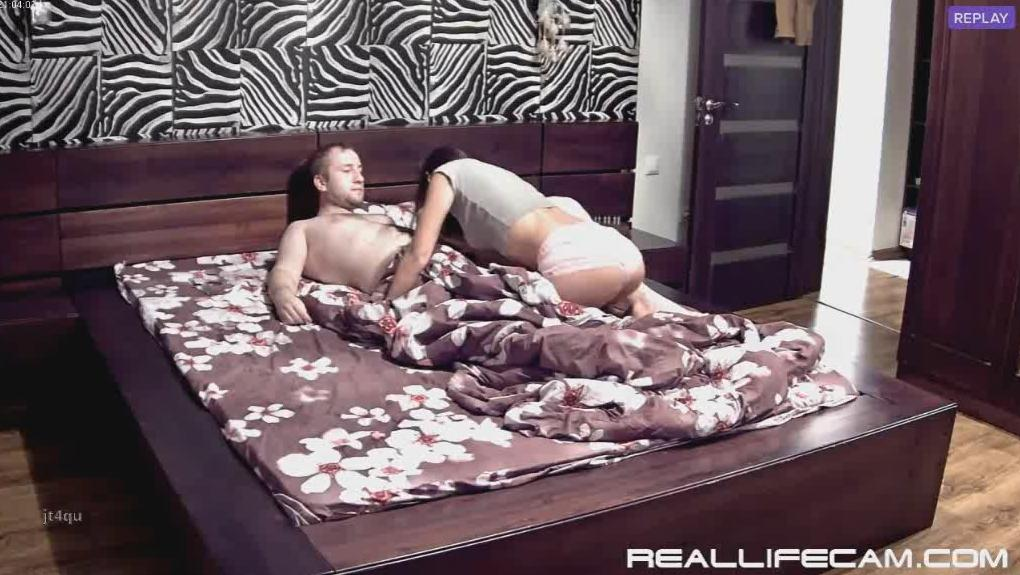 RealLifeCam Leora and Paul Nympho Teen Suck and Fuck in Bedroom
